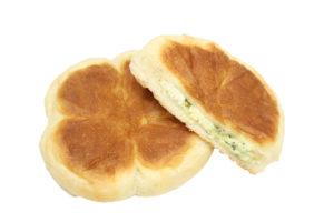 もっちりバジルチーズパン(切り抜き後)