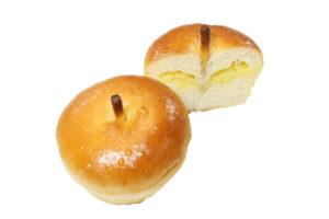おいもとりんごのパン(切り抜き後)
