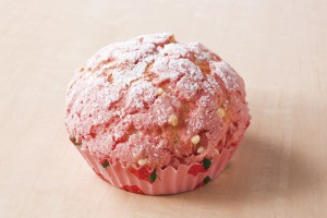 1_あまおう苺のメロンパン_1612_キリ実