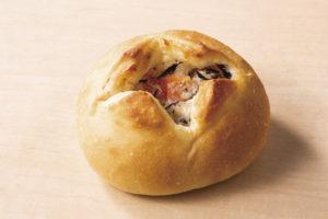 03_くわいとひじきのパン_1812_キリ実